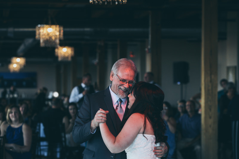 father daughter dance at a wedding