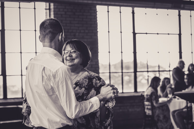 mother son dance at a wedding